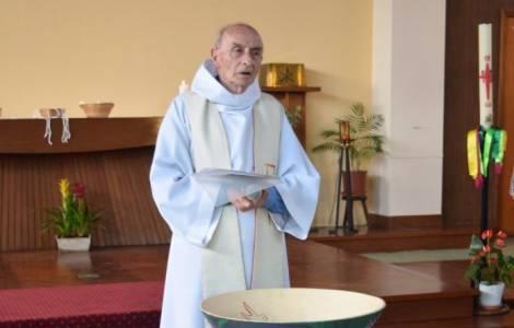 Papa Francesco celebra messa per il sacerdote ucciso in chiesa a Rouen