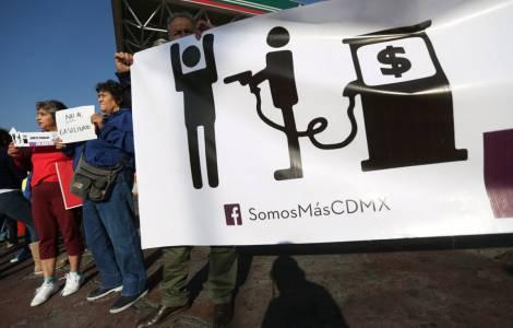 Manifestazioni contro l'aumento della benzina