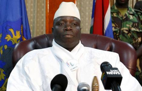 Gambia, truppe senegalesi marciano per cacciare presidente uscente: fuga dei turisti
