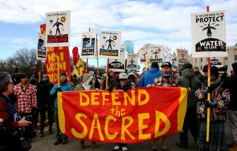 Popoli di Standing Rock Sioux, in Nord Dakota e di Keystone