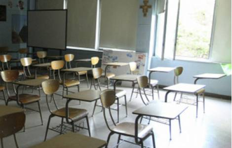 Lezioni sospese a scuola per l'insicurezza