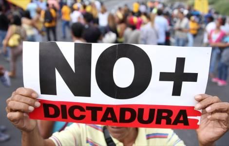 """""""La responsabilità del disastro del Venezuela è di Maduro"""" denunciano i Vescovi latino-americani"""