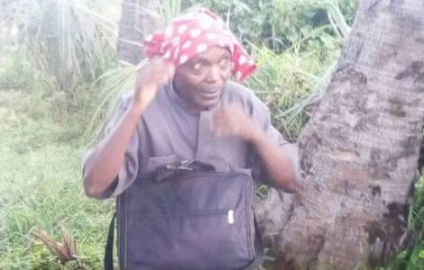 Le Père Adolphe Ntahondereye, très éprouvé immédia