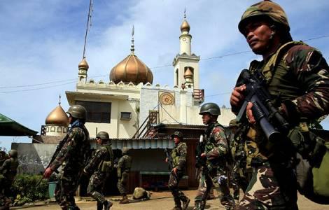 Filippine: Marawi, prete rapito lancia appello a Duterte