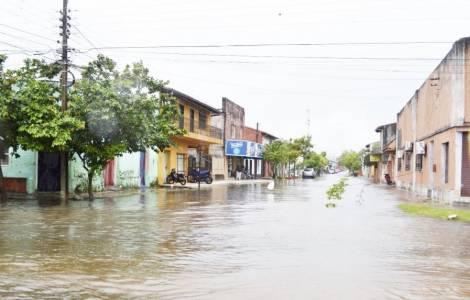 Appello di Mons. Medina: il governo ha abbandonato le vittime delle inondazioni