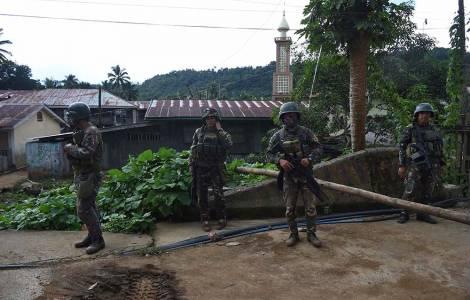 Condanna da Mons. de la Peña all'uso di ostaggi come bombe umane