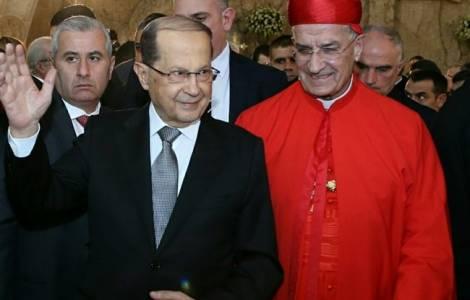 Hariri congela le dimissioni