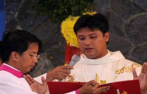 Ucciso un prete nelle Filippine