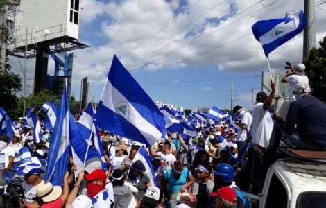 Quattro mesi di protesta civile: il popolo non si arrende e chiede nuove elezioni