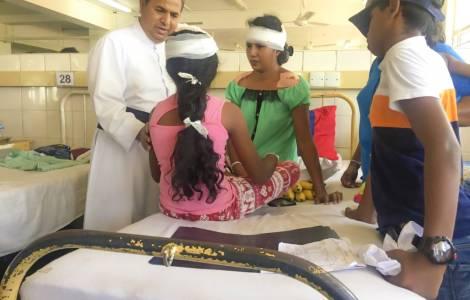 Attentati Sri Lanka. Padre deve decidere quale figlio salvare, ma muoiono entrambi
