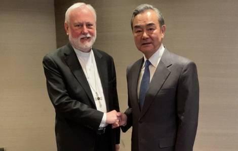 Cina-Vaticano, storico incontro tra ministri degli Esteri